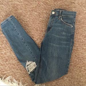 NWOT Topshop Ripped Jamie Jeans